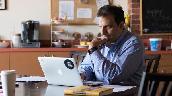 Daniel_article_working_computer
